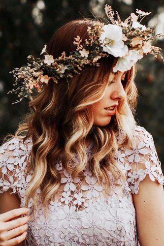 weddinghairstylesforlonghairgirlbeautifulflower